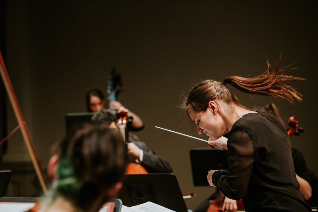 montreal-concert-event-photographer-nadia-zheng-ensemble-arkea-conducter-dina-gilbert