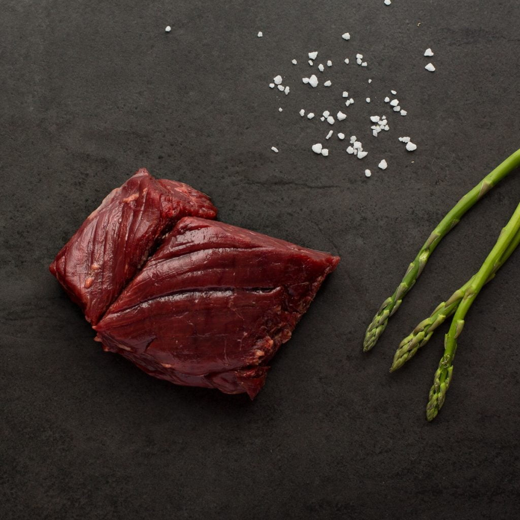 montreal-food-photography-raw-beef-styled-rustic