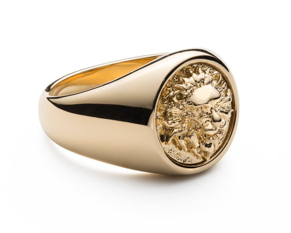Gold Lion Ring - Montreal jewelry photography