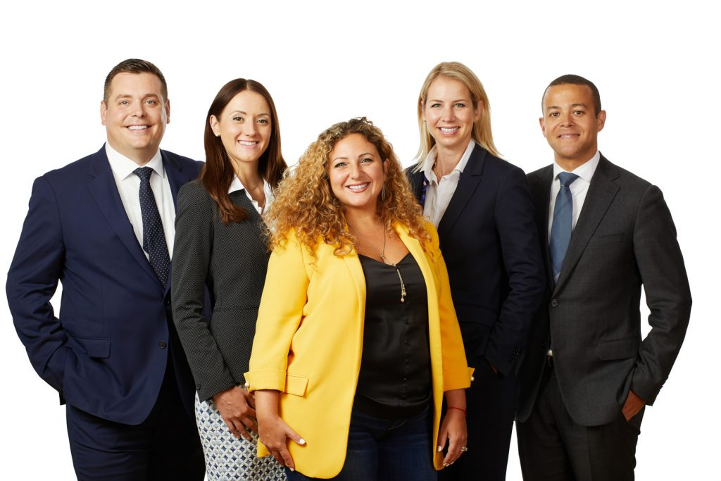 Montreal-on-location-corporate-team-group-photo-with-pure-white-background