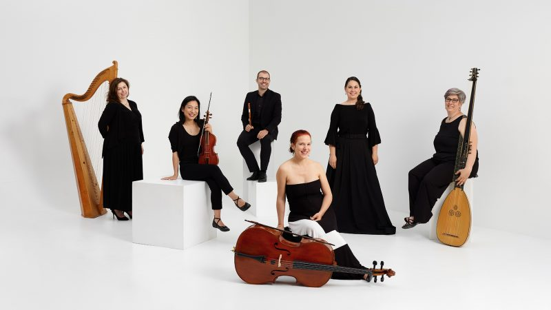 Montreal-music-group-photo-l'ensemble-de-cigale-white-background-white-wooden-cube-by-nadia-zheng-2