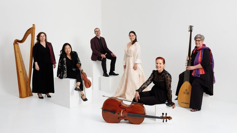 Montreal-music-group-photo-l'ensemble-de-cigale-white-background-white-wooden-cube-by-nadia-zheng
