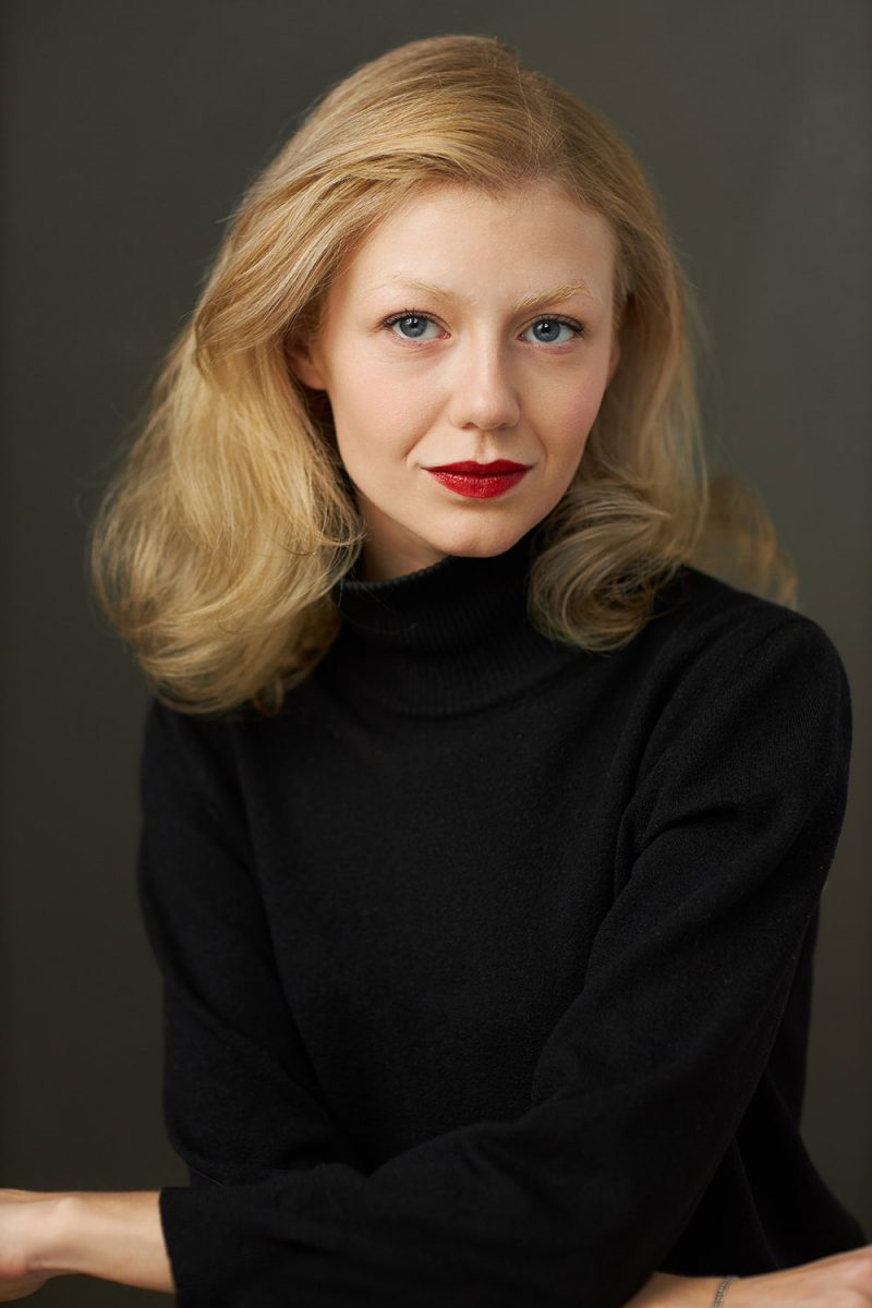 Montreal-actors-headshot-actress-classic-vintage-look-red-lips-casting-photo-by-nadia-zheng