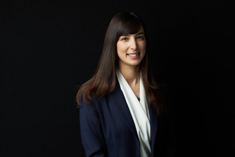black-background-business-portrait-law-firm-by-montreal-headshot-photographer-nadia-zheng-03