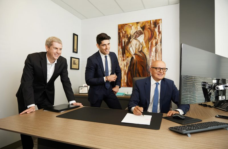 Montreal-corporate-team-office-lifestyle-action-photos-by-nadia-zheng-1