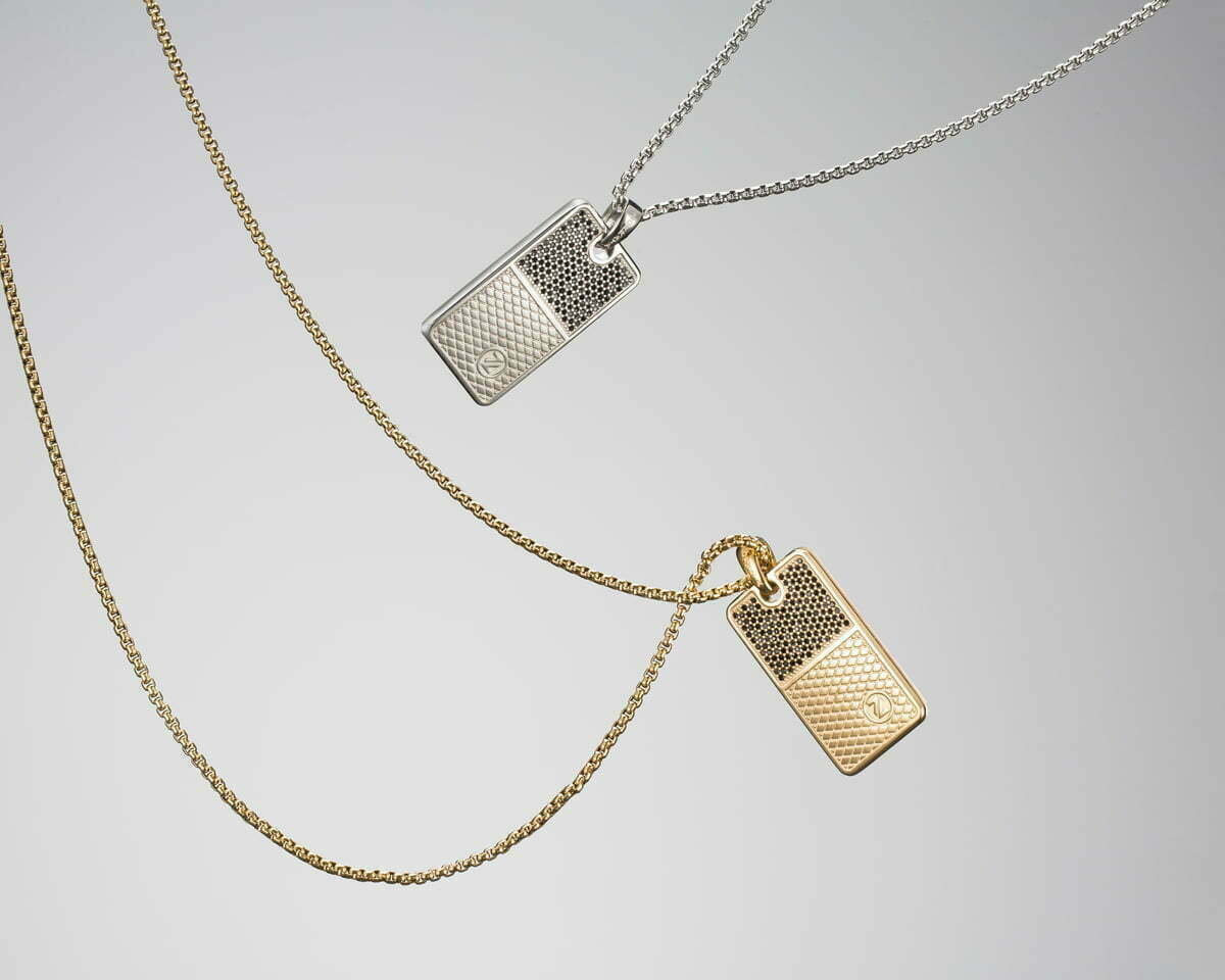 montreal-jewelry-photography-floating-necklace-pendant-silver-gold-nadia-zheng