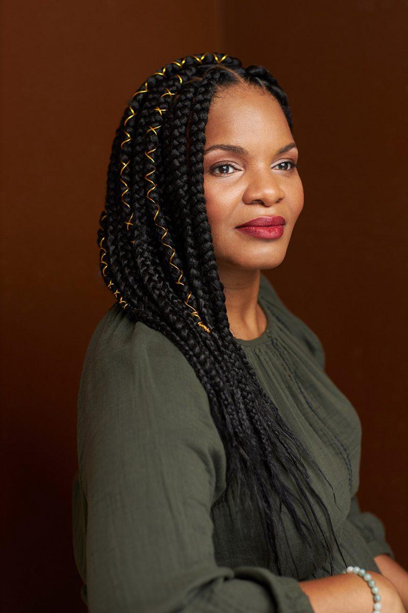 Montreal-lifestyle-black-braids-mature-woman-portrait-by-nadia-zheng